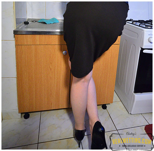Ruby skirt and panties running water makes her pee