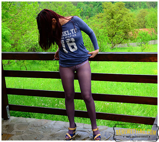 Desperate and frustrated Ruby pisses her pantyhose during her cigarette break