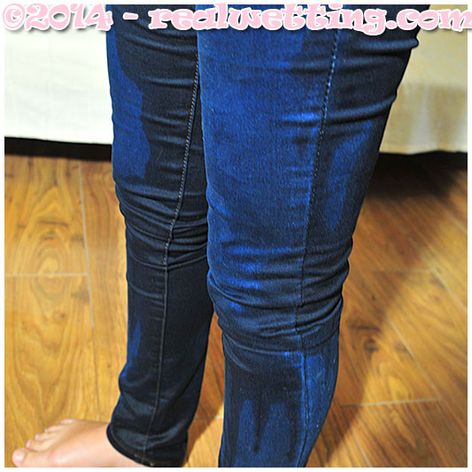 Jeans wetting with Sara