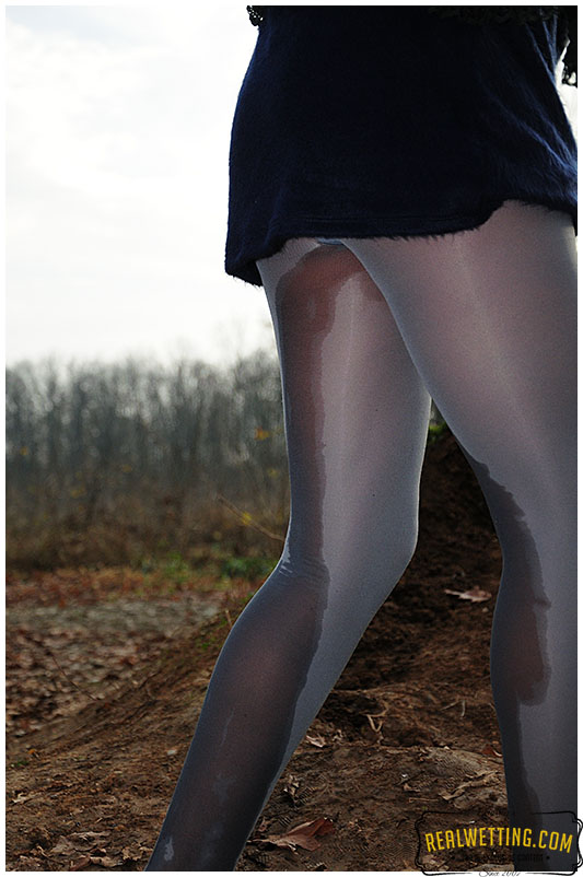 Release in pantyhose video