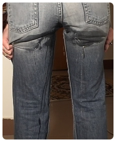 woman pissing her jeans drunk